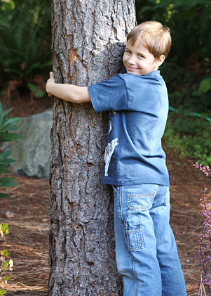 treehugging-kid