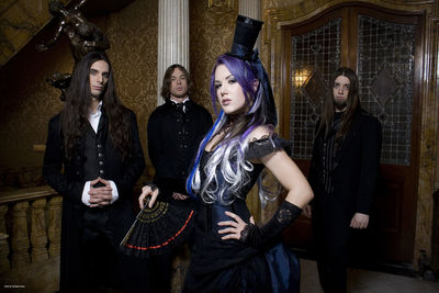 Alissa White-Gluz (THE AGONIST)