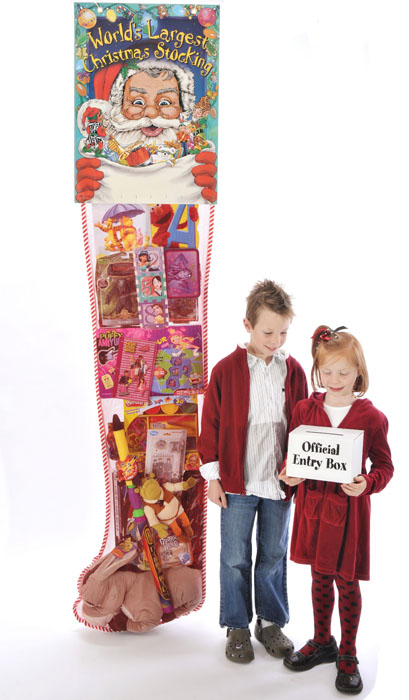 worlds-largest-christmas-stocking-8ft-deluxe