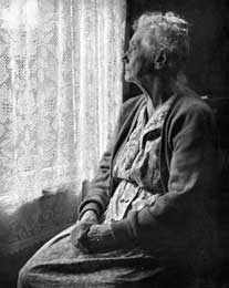 elderly-woman-bw-sm